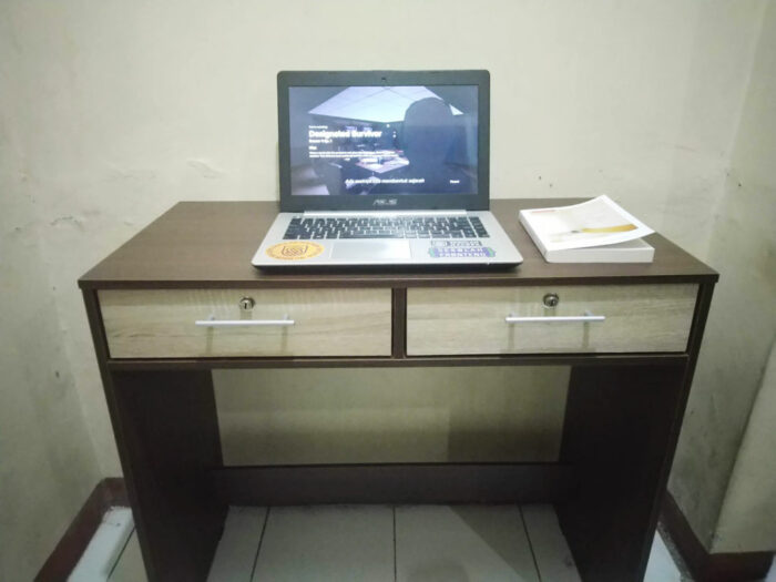 Meja kerja saya jadi super bersih